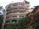 View of the building from Calle Santa Barbara/Amapas.