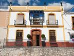Docter Felipe de Moya  had the bright mansion build around this big patio in 1873.