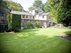 Courtyard Cottage is a detached property at Wolfen Mill Country Retreats in Chipping