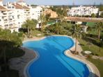 Large swimmingpool 2
