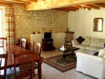 Maison d'Hibou lounge & dining area