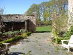 The front garden of Gite La Rosa