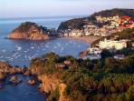 Overview of Tossa de Mar, the house spotted in red.