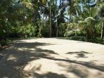 VillaTennis court in the Garden