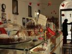 surroundings: tea room in Piazza Marina (Cioccolateria Lorenzo)