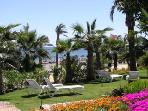 Gardens with access to beachfront