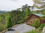Mountain Aire - Abundant Forest Wraps This Log Cabin in Privacy - Less than 10 Minutes from Town, but with Such An Amazing View, Fire Pit, Picnic Area & Wi-Fi - You Won`t Want to Leave!