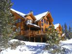6 bdrms, 4.5 baths, central to every resort, backs up to national forest