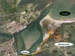 Plano panorámico de la ubicación del apartamento, con relación a la playa, pueblo, bahía, etc...