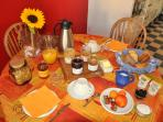 Bed & breakfast le refuge Renoir - Breakfast
