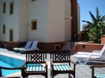 Villa Poseidon : Poolside View