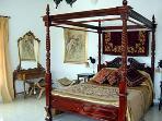 Luxurious ground floor Master bedroom/Honeymoon suite