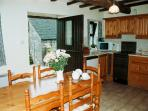 Coach House - Spacious kitchen/diner