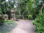 Le Parc Oriental/Japanese gardens at 20 minutes