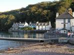 The Griffin Inn award winning seafood restaurant and the pontoon for boats and crabbing.