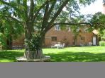 Hall Farm Cottages, Gardeners Cottage - beautiful converted stable block