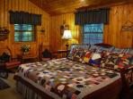 Extra Outbuilding/Guesthouse - King Bed - Full Bath - -TV