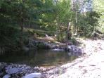 Coin rivière dans la propriété