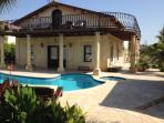 5 bedroom villa  private pool free aircon and wifi