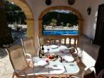 AL FRESCO DINING IN THE NAYA