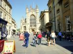 Bath Abbey, the Roman Baths and Pump Room - 2 minute walk