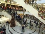 Canary Wharf shopping malls just 10 minutes' walk away