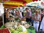 Ste Foy la Grande - Market day