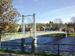 The pedestrian bridge over the Ness