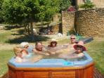 6 can take place in the open-air jacuzzi