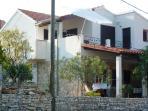 Villa Vinka***