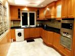 Fully Fitted European Style Kitchen with Washing Machine,Fridge Freezer,Cooker/Oven,Kettle,etc!!