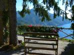 Rustic garden / Take a seat and enjoy the view