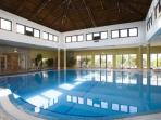 In-house Swiming-pool with jacuzzi, steam- and dry-sauna
