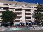 Fachada del apartamento en  Edf. Mirasol, paseo marítimo 1ª linea de playa con todos los servicios