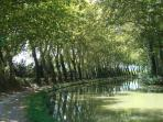 Walk or cycle along the Canal du Midi