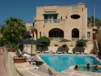 Villa Xemxija pool