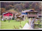 Complejo rural Valle de Bueida desde el parking