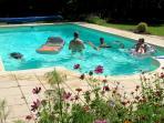 Les Petites Charmilles, swimming pool