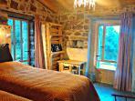 Room Olivastro