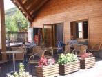 Terraza del bar del camping, para disfrutar del relax.
