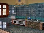 cocina(horno, microondas, placa 3 fuegos inducción,tostador,cafetera)