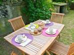 Garden, breakfast