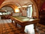 Italian pool table