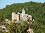le chateau de bonaguil a 6 km