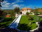 Villa Vlastelini - aproaching view