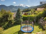 Jardin privatif avec balançoire et trampoline (3,50m)