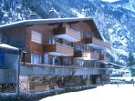 Amazing balcony Staubbach Waterfall view 1BR Lauterbrunnen 3 star 11am Checkout!