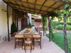 patio esterno e barbecue tavolo legno con 20 posti
