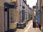 Lots of little lanes to explore with shops, galleries, cafes