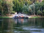 Entorno/Localidad. Paso de barca, único en el Ebro, tradicinal sin motor